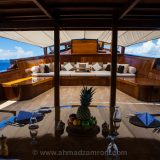 Amanikan foredeck lounge area and the dinning table.